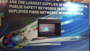 Flare-320-one-sided-landscape-3d-holographic-display-unit-6