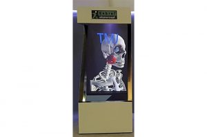 z-shaped-55-inch-portrait-3d-hologram-unit