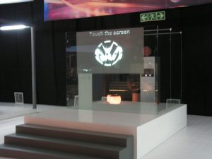 Touch-Screen-Glass-uTouch-VW-polo-event